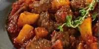 Gulas preparat cu carne de vita Gusturi Romanesti